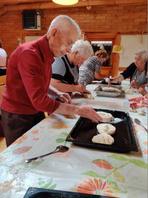 Miniatura zdjęcia: pieczenie chleba